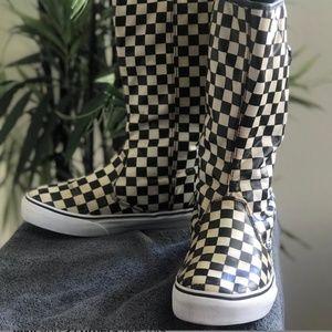 Vinyl vans boots size 6.5